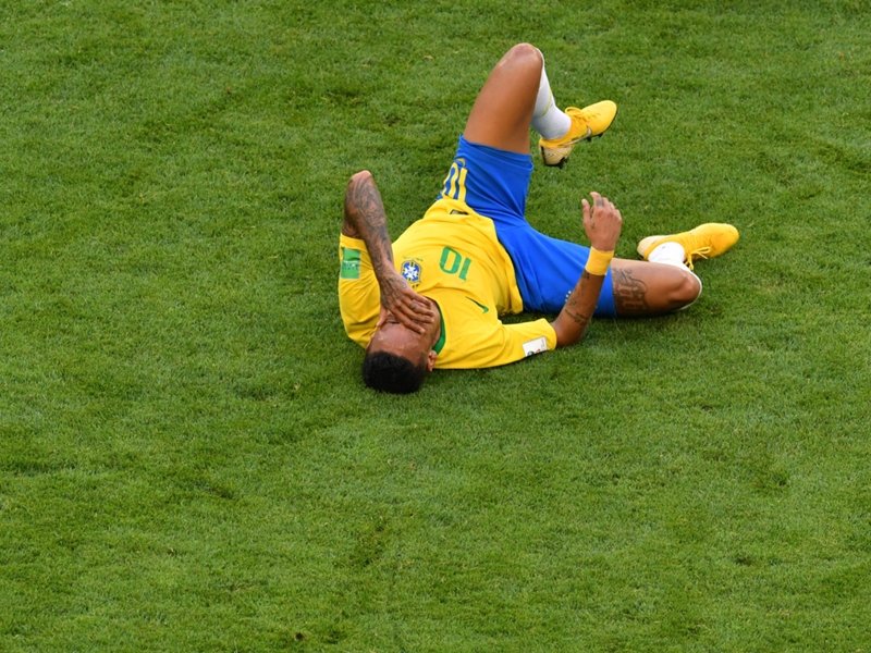'And the Oscar goes to Neymar!' - Brazil star destroyed for acting against Mexico