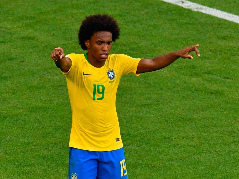 Willian rejects 'defensive' Brazil claims after shining in Mexico victory