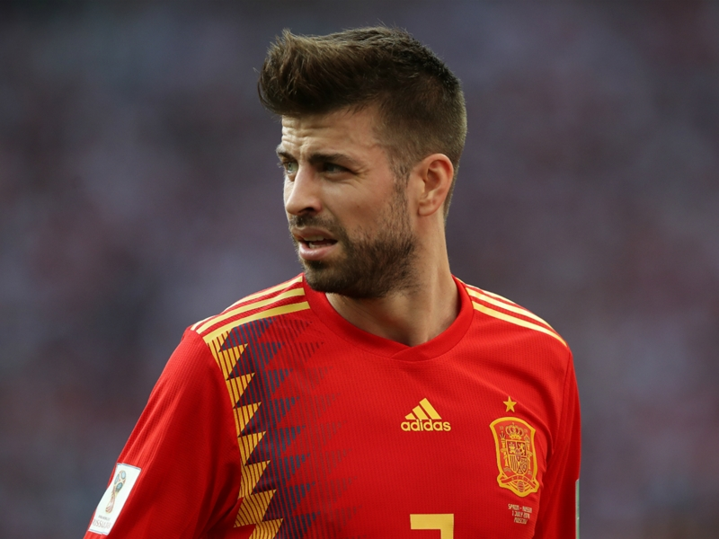 'I want him to continue' - Pique urged not to quit Spain