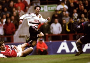 April, 1999 | Giggs scores stunning winner | Despite being down to 10 men following Roy Keane's red card, United won through to the final and kept their treble bid on course due to a piece of brilliance from Ryan Giggs. The winger pounced on a wayward ...