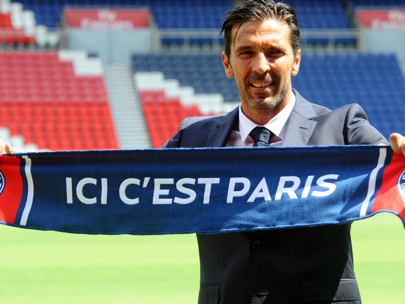 Insolite - Une boutique vandalisée à Paris remplace les joueurs de l'OM en vitrine par Gigi Buffon !