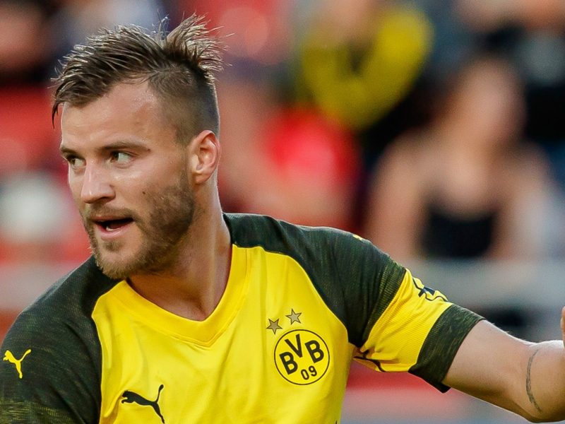 West Ham complete £17.5m deal for Dortmund winger Yarmolenko
