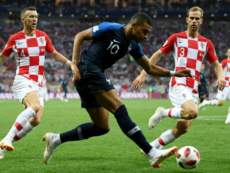 Mbappe trying to 'forge his own path' amid Pele comparisons