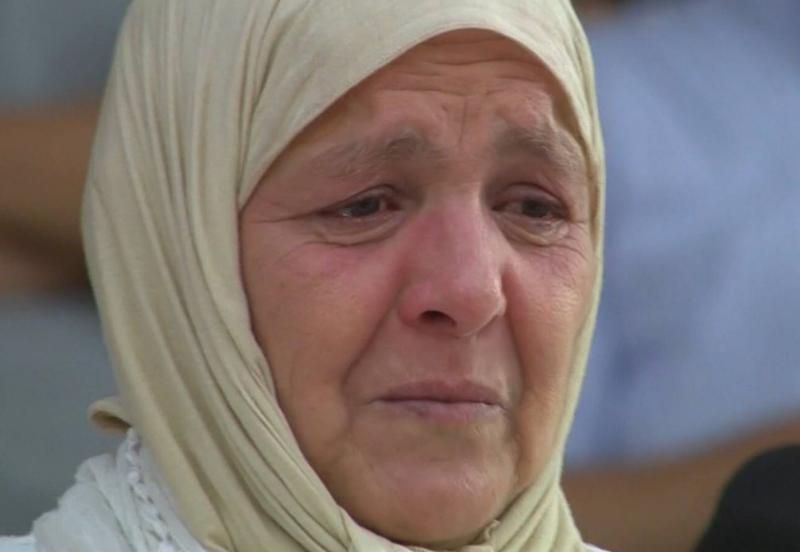 فيديو – لحظات مؤثرة لأسرة أخميس في مواجهة نهضة البركان والمصري البورسعيدي