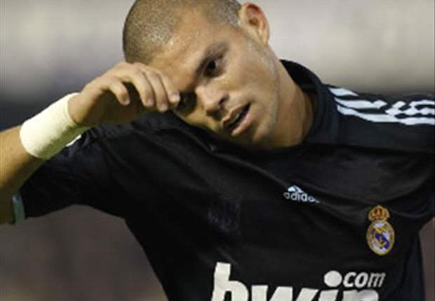 Real Madrid defender Pepe suffers injury against Los Angeles Galaxy