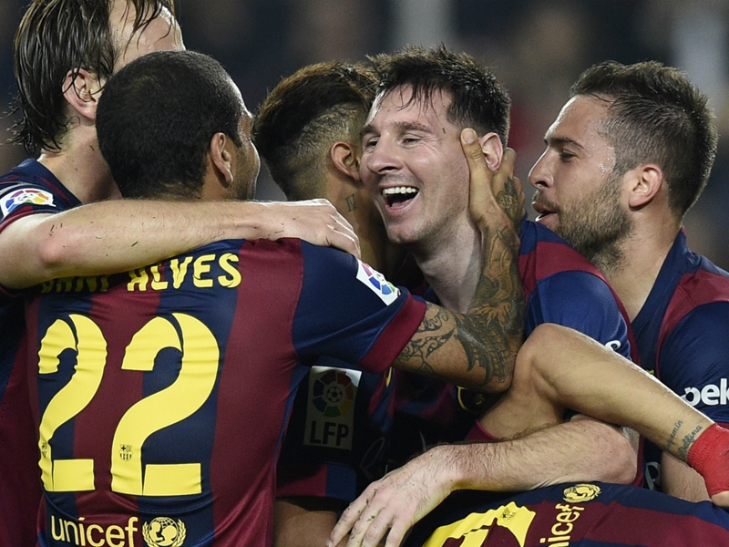 barca le football rend hommage a messi