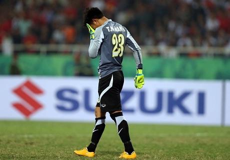 พลาดเหลือเชื่อ! โกลเวียดนามรับลูกลอดขาทำทีมเจ๊าประเดิมซูซูกิ(มีคลิป)
