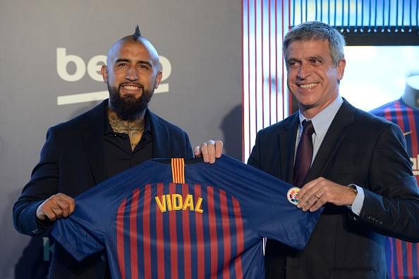 """FC Barcelone, les premiers mots d'Arturo Vidal : """"Je ne suis pas anti Real Madrid"""""""