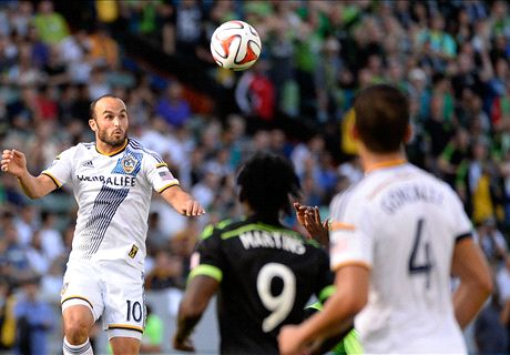 Galaxy squeeze past Sounders