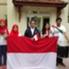 Dubes Mayerfas sedang bersama para mahasiswa asal Indonesia.