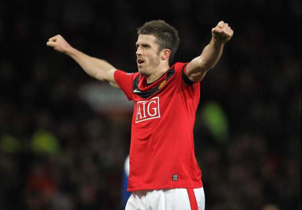 Manchester United midfielder Michael Carrick wants to stay at Old Trafford for rest of career