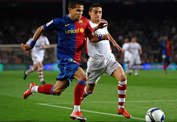 Barcelona's Dani Alves Apologises For Sending Off Against Espanyol