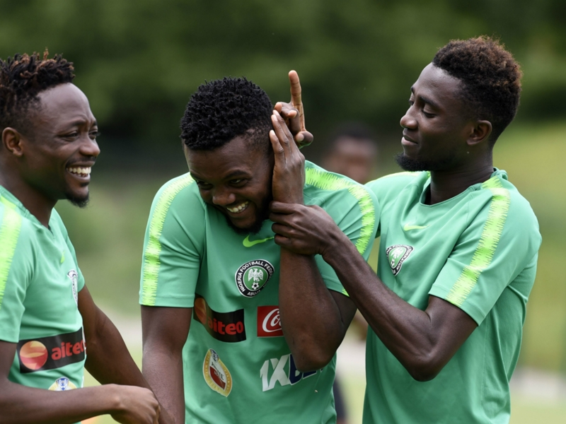 Awaziem or Ajayi: Who should Nigeria plump for vs. Seychelles?