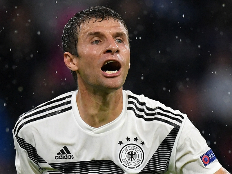 Low still has faith in Muller despite 'difficult phase' for the Germany star