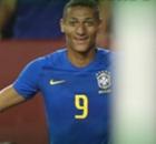 """Arthur e Richarlison largam na frente entre os """"novatos"""" e agarram espaço na Seleção"""