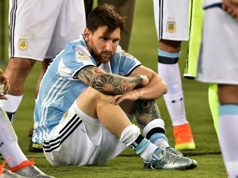 Maradona: Messi let down by Mascherano and Argentina traitors