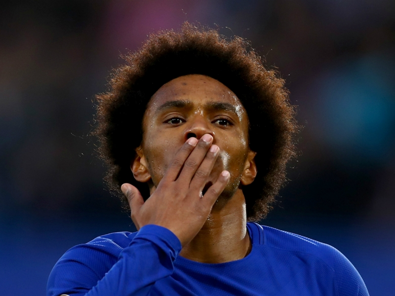 Willian 'very happy' with life under Sarri after Conte row