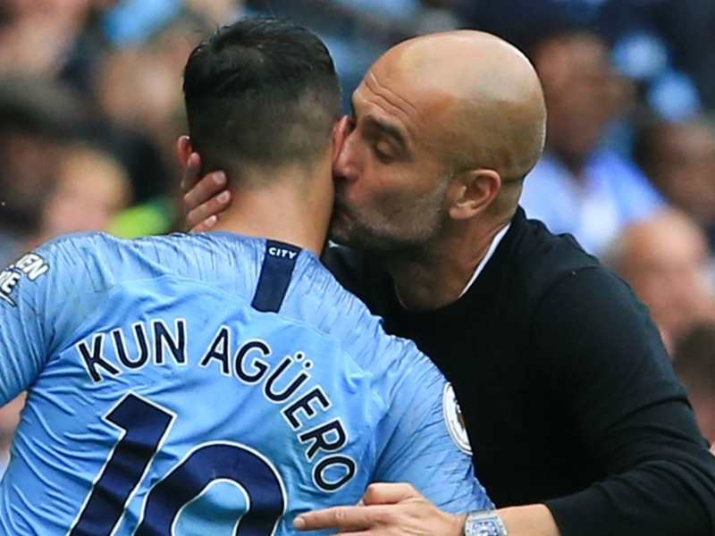 "Manchester City, Guardiola dresse des louanges à Aguero : ""Une authentique légende"""