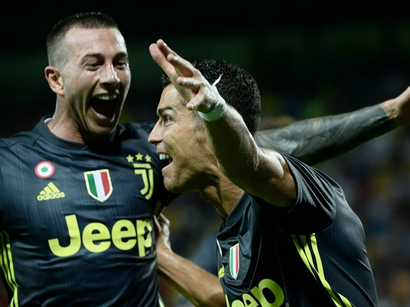 'Ronaldo is better than Messi' - Bernardeschi sees Juventus team-mate 'a step above' rivals