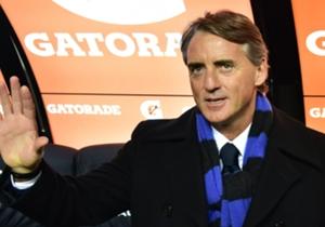 Mancini, sciarpa nerazzurra al collo