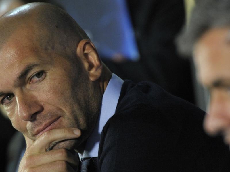 Un ancien président dévoile pourquoi Zinedine Zidane a quitté le Real Madrid