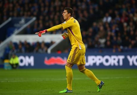 Pantilimon Bidik Hasil Kontra Chelsea