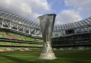 Desde la temporada 1999/00, los terceros en fase de grupos de Champions acceden a la Europa League. Repasamos los que triunfaron tras fracasar en su conquista de La Orejona
