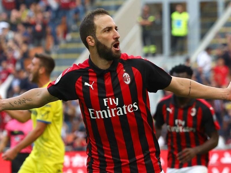 AC Milan 3 Chievo 1: Higuain nets brace in comfortable win