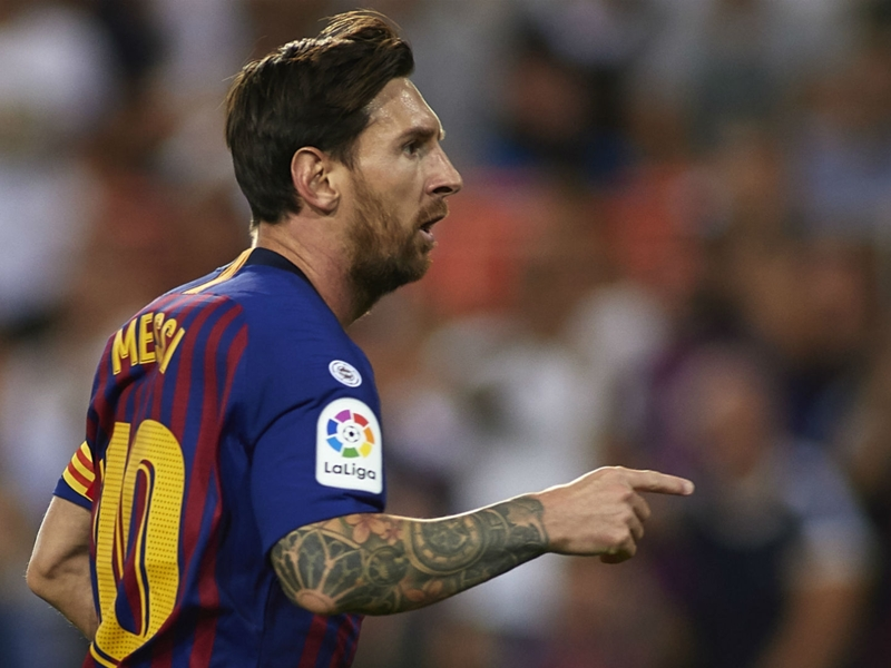 Messi earns Barca a draw at Mestalla
