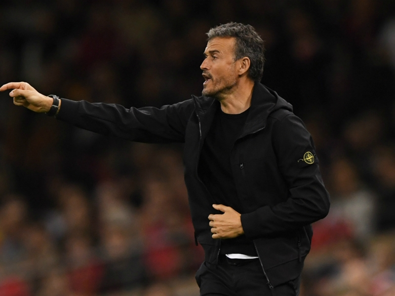 Luis Enrique keeps media guessing over selection plans for Spain-England