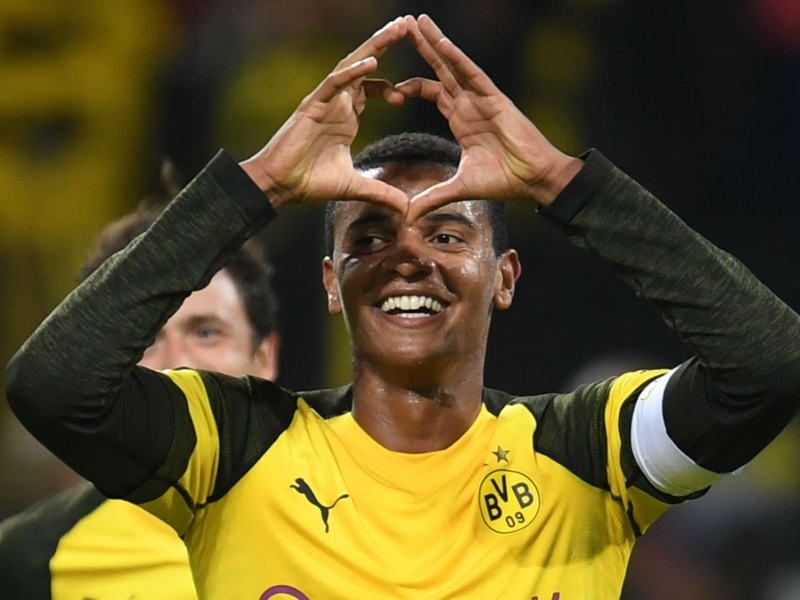 Akanji airs Man Utd ambition as he chases future transfer