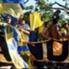 Banderas, bengalas, aliento y canciones dedicadas para el eterno rival fueron las constantes en una tarde soleada en la cual los hinchas no dudaron en demostrar su pasión una vez más.