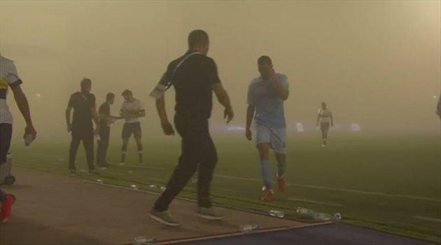 عاصفة ترابية توقف مباراة النصر والباطن بالدوري السعودي