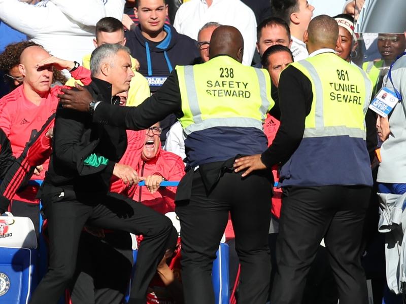 Chelsea : après son altercation avec Mourinho, l'assistant de Sarri va devoir s'expliquer