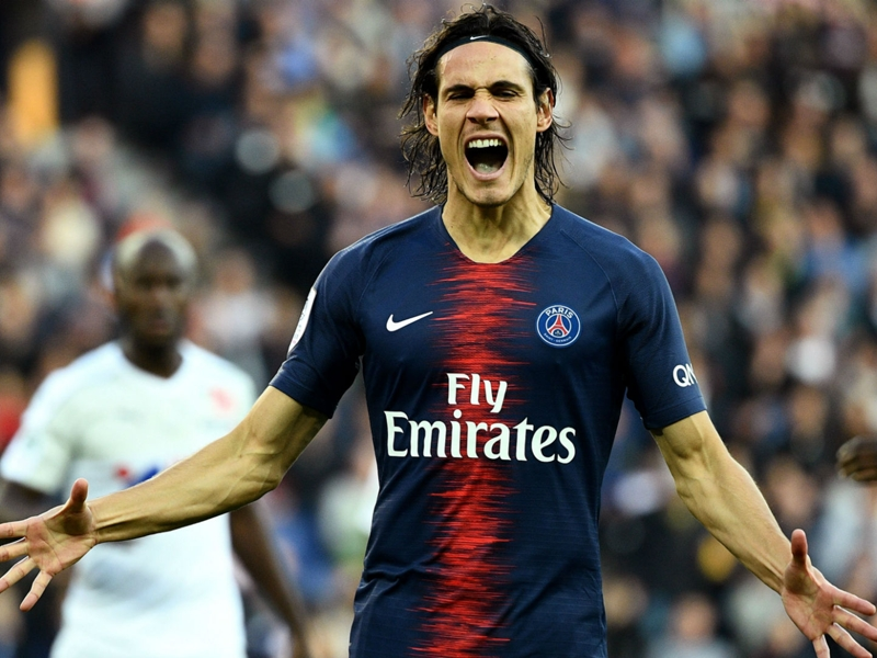 Cavani not thinking about Napoli switch ahead of Champions League return