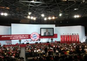 Es war wieder soweit: Am Freitagabend fand die Jahreshauptversammlung des FC Bayern München statt. Ab 19.00 Uhr fiel für die Mitglieder im Audi Dome der Startschuss.