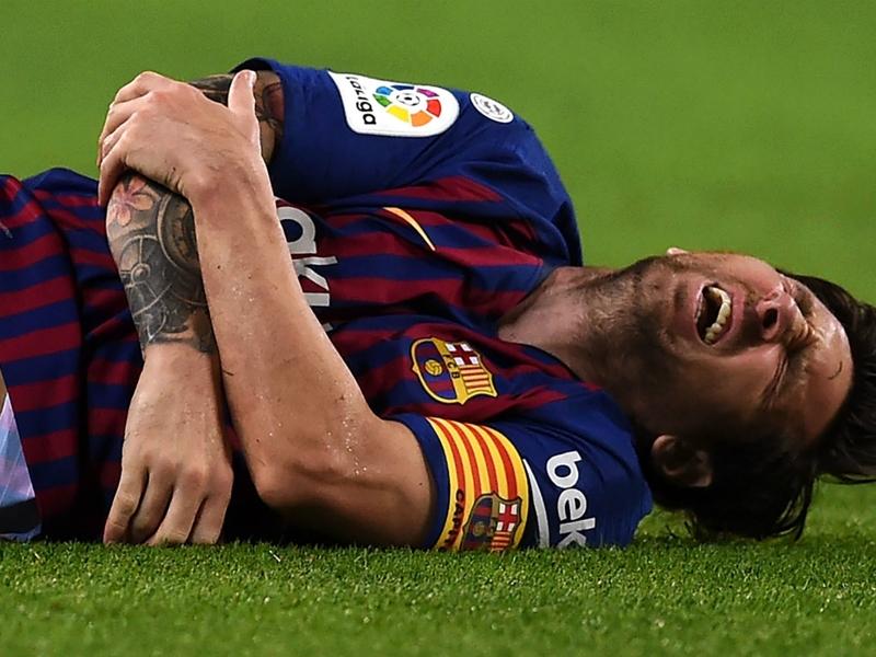 """FC Barcelone, Patrick Kluivert : """"L'absence de Lionel Messi donne un peu plus de chance au Real Madrid"""""""