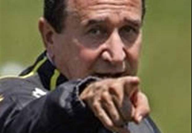 World Cup 2010: Carlos Alberto Parreira Wants To Go Local With South Africa Squad