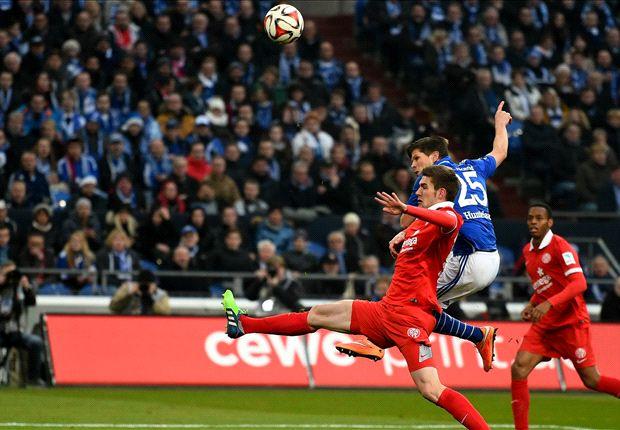 Klaas-Jan Huntelaar trifft dreifach gegen Mainz 05