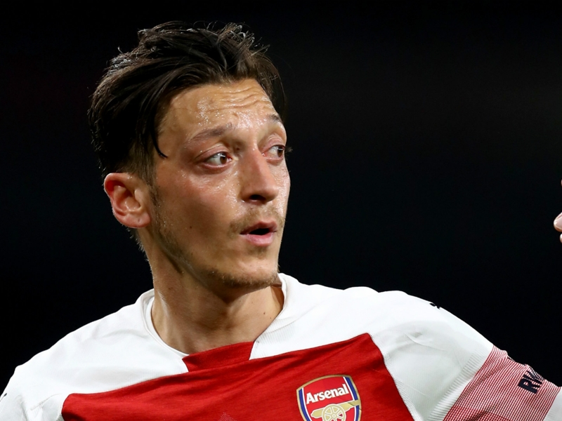 Emery explains why he left Ozil out of Arsenal squad for West Ham defeat