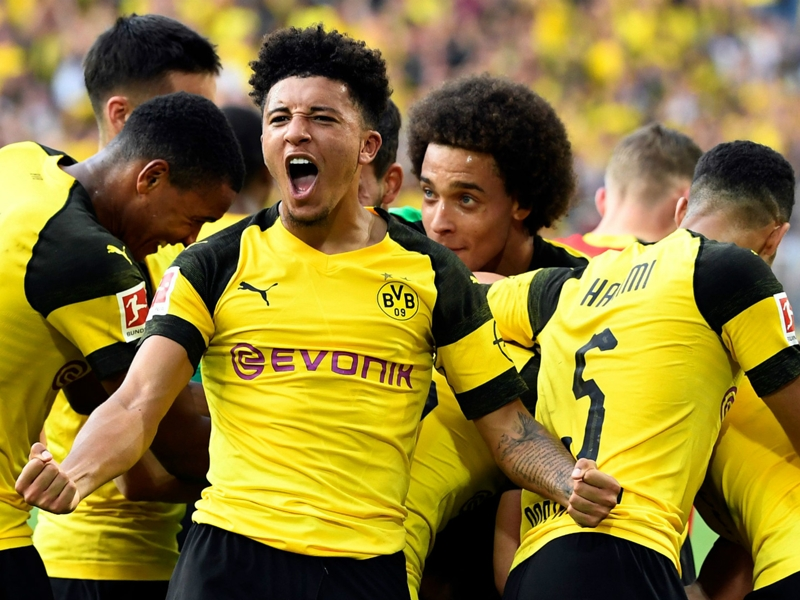 Dortmund warn off Sancho suitors with claims England winger is guaranteed to stay for one more season