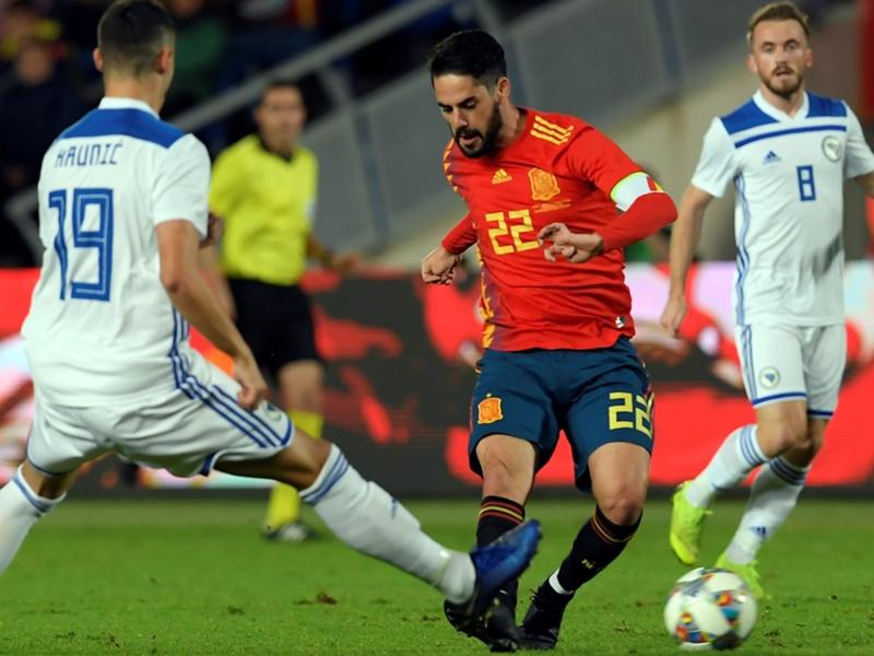 """Espagne, Luis Enrique explique le capitanat d'Isco : """"C'était le joueur avec le plus de sélections"""""""