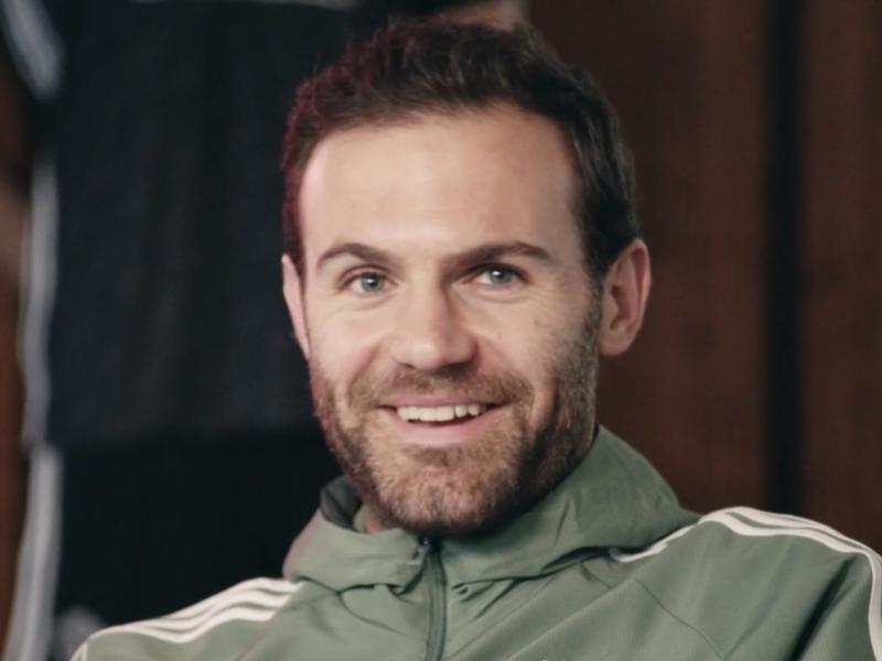 Juan Mata a absolument besoin de café le matin - Les joueurs de Manchester United lèvent le voile sur leurs coéquipiers