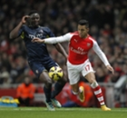 Alexis salvó al Arsenal