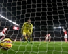 Wenger hails 'fabulous' Alexis