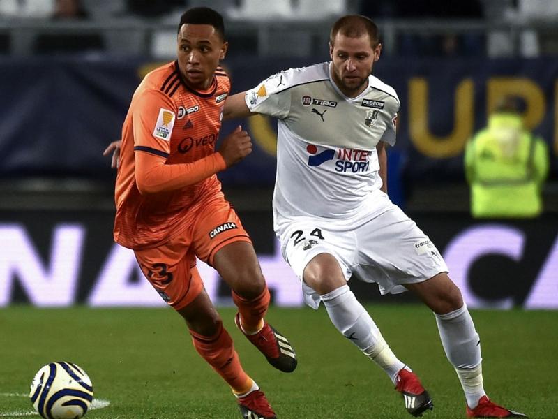 Amiens-Lyon 2-3, L'OL prend le quart
