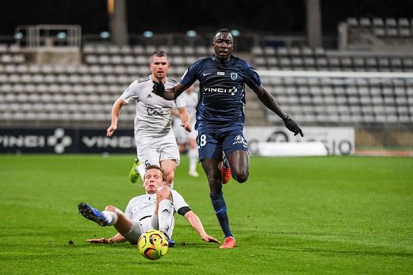 Ligue 2 - 19e journée : le Paris FC remporte le derby francilien contre le Red Star, Auxerre étrille Grenoble 4-0