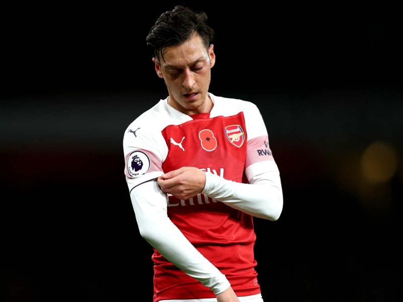 Unai Emery souhaiterait voir partir Mesut Ozil