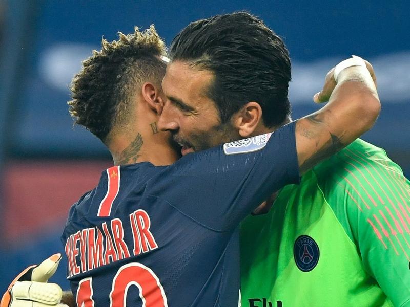 PSG - Gianluigi Buffon fait ses paris pour l'avenir :