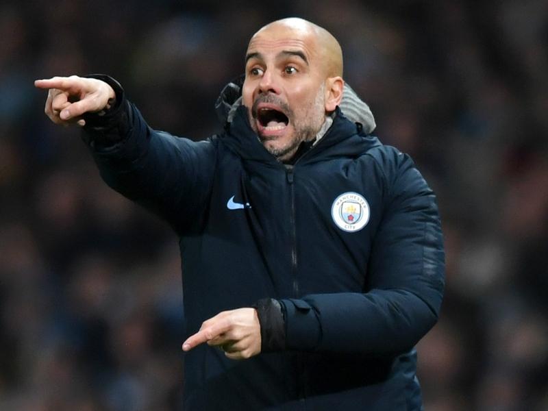 Man City envisage de signer un nouveau latéral gauche alors que Guardiola confirme trois ou quatre cibles au milieu